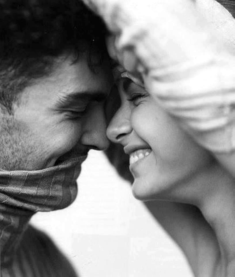 foto casal sorrindo