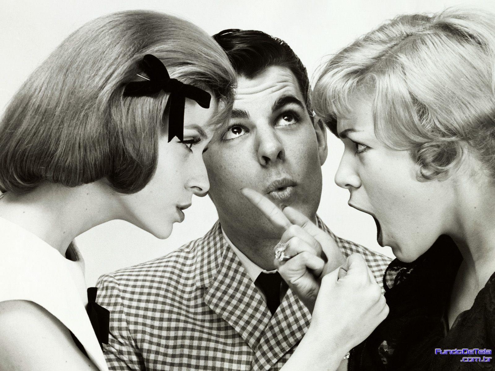 homem-com-duas-mulheres