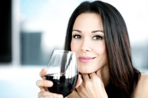 mulher-vinho-580x385